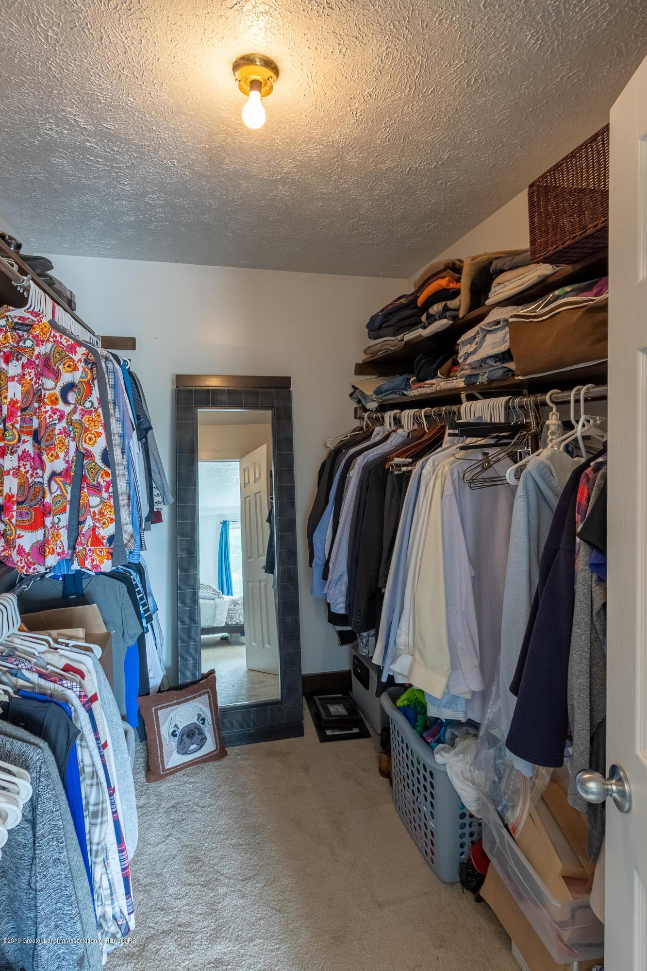 1322 Sebewaing Rd - Master closet - 40