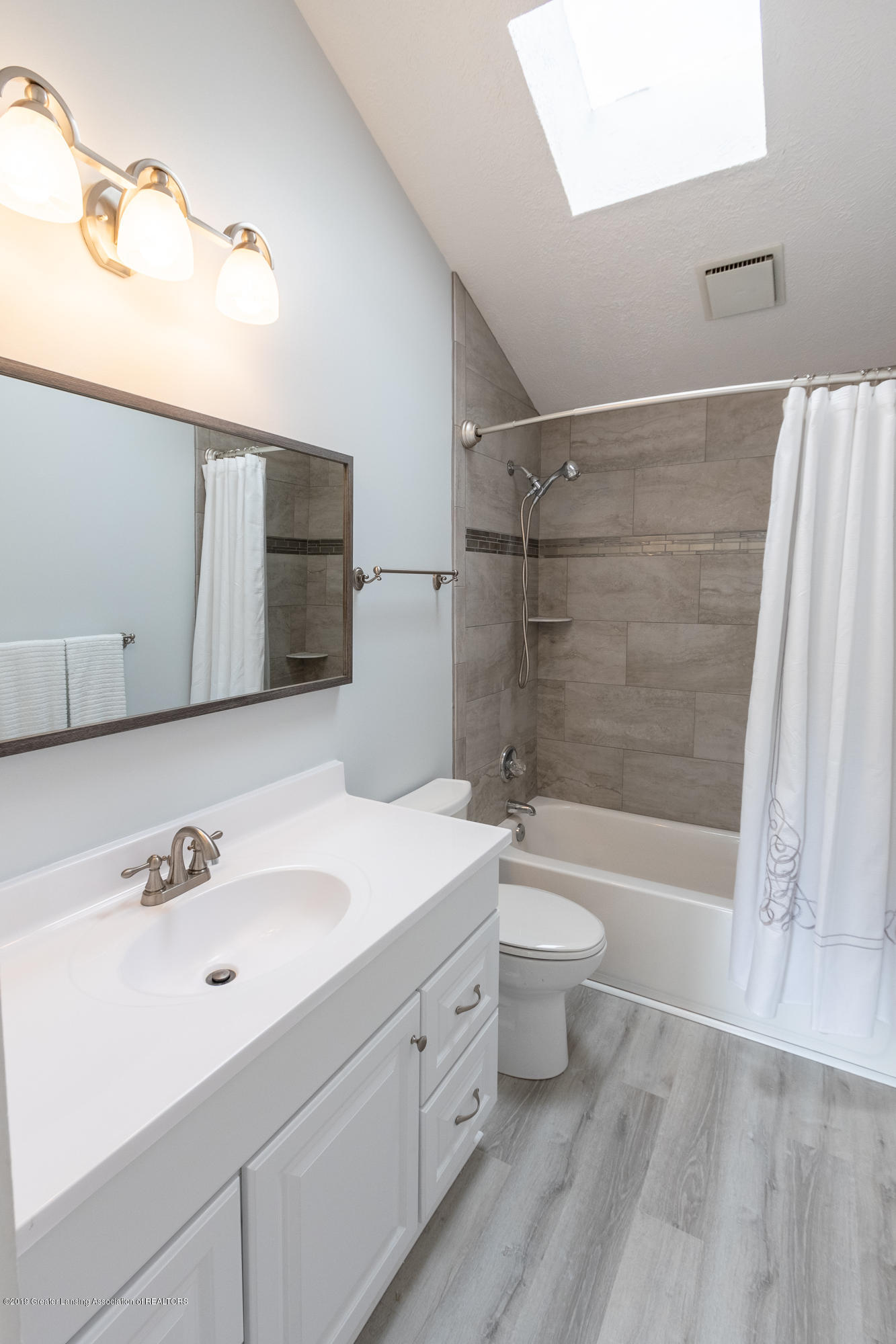 1322 Sebewaing Rd - Master bathroom - 38