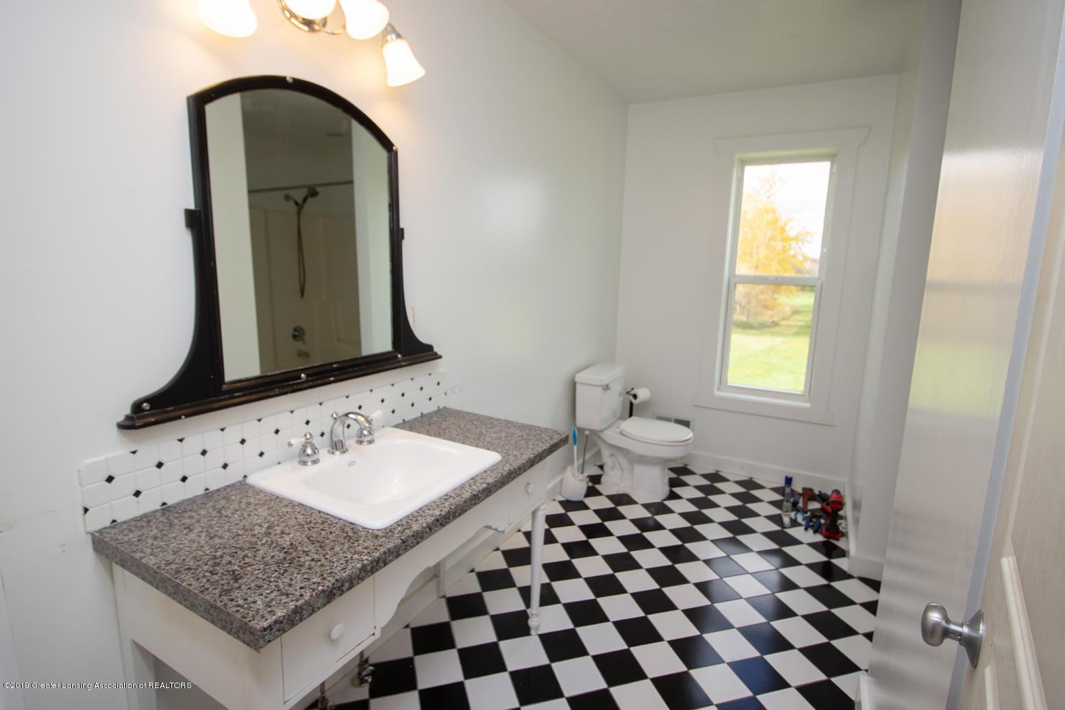 1562 S Waverly Rd - master bath - 17