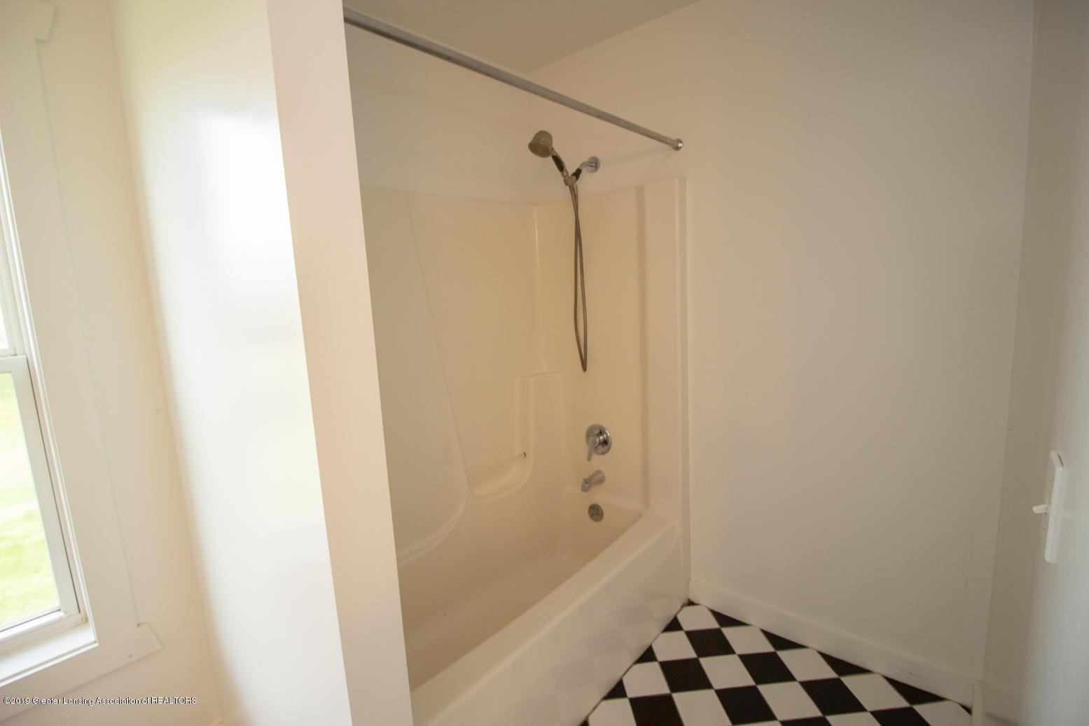 1562 S Waverly Rd - master bath 2 - 18