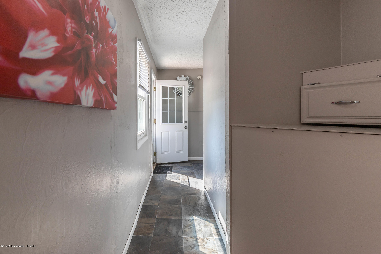 815 Pine St - Hallway - 12