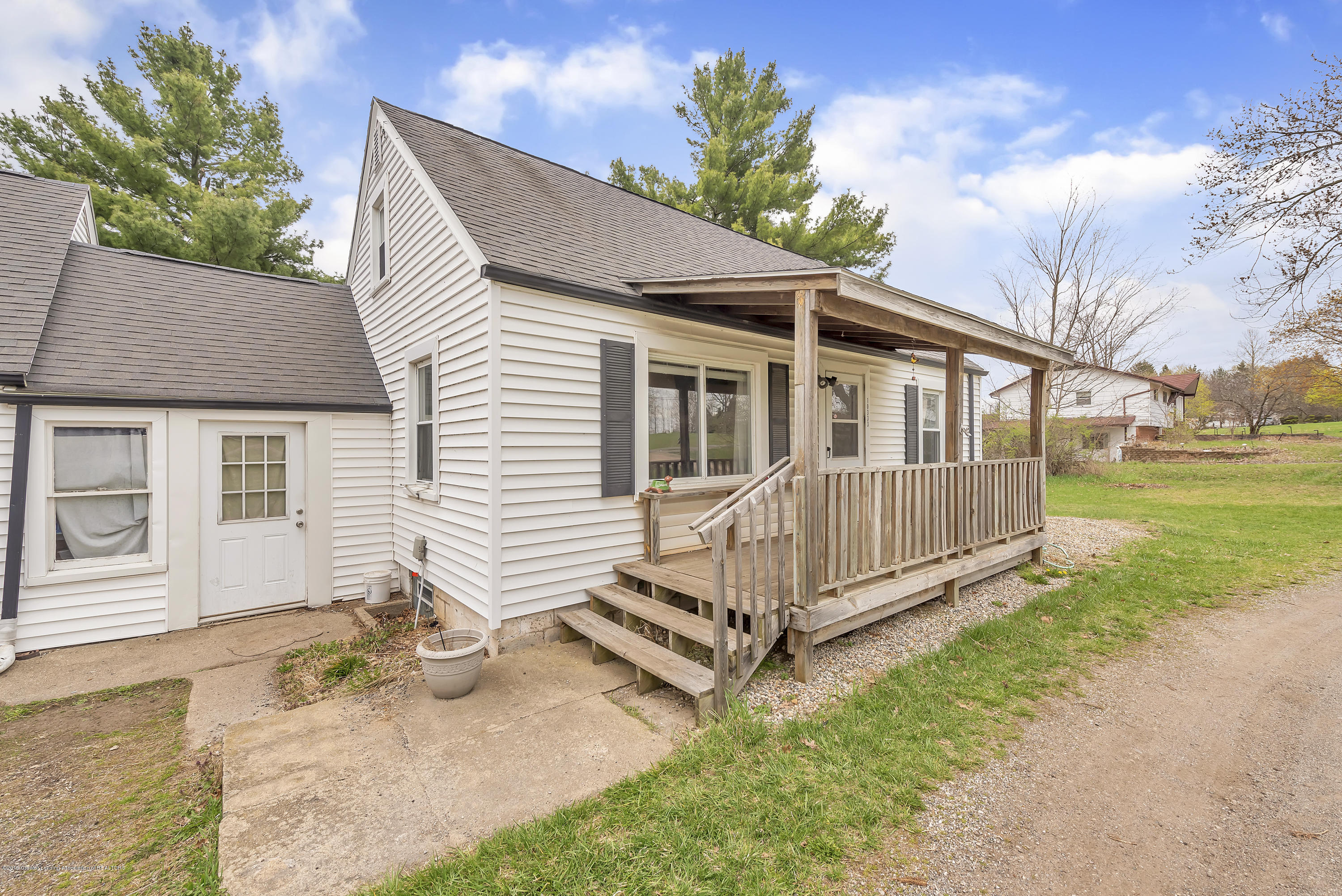 10333 Plains Rd - 10333-Plains-Road-Eaton-Rapids-Michigan- - 3