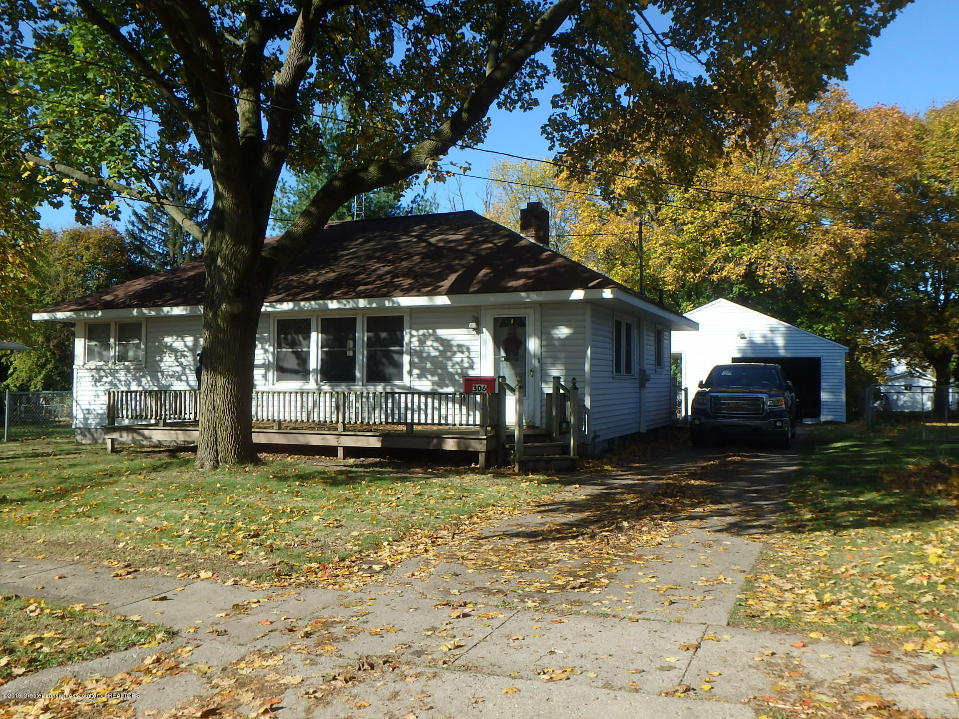 306 4th St - Front - 16