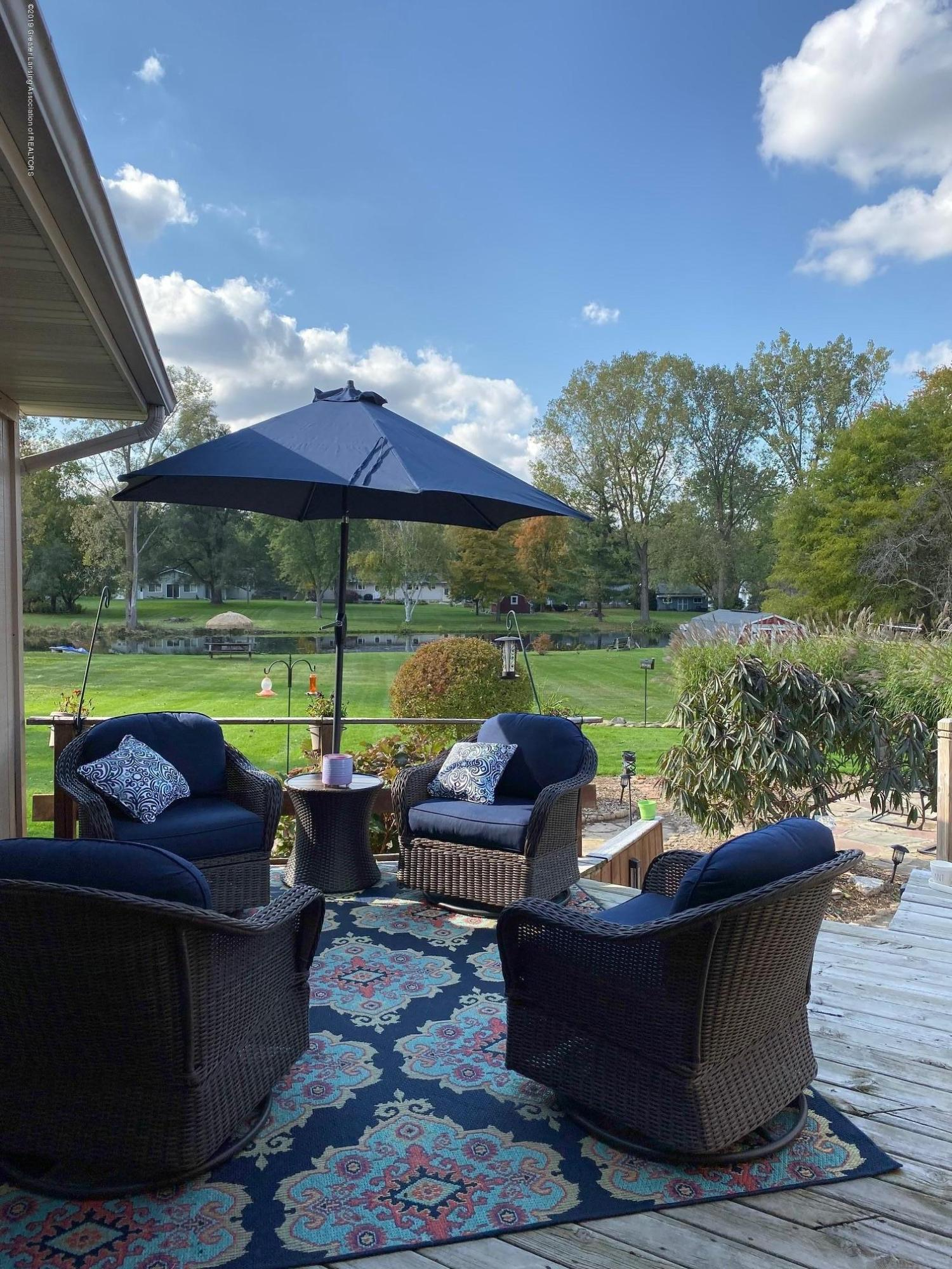 12925 E Melody Rd - Patio Overlooking yard and pond - 36
