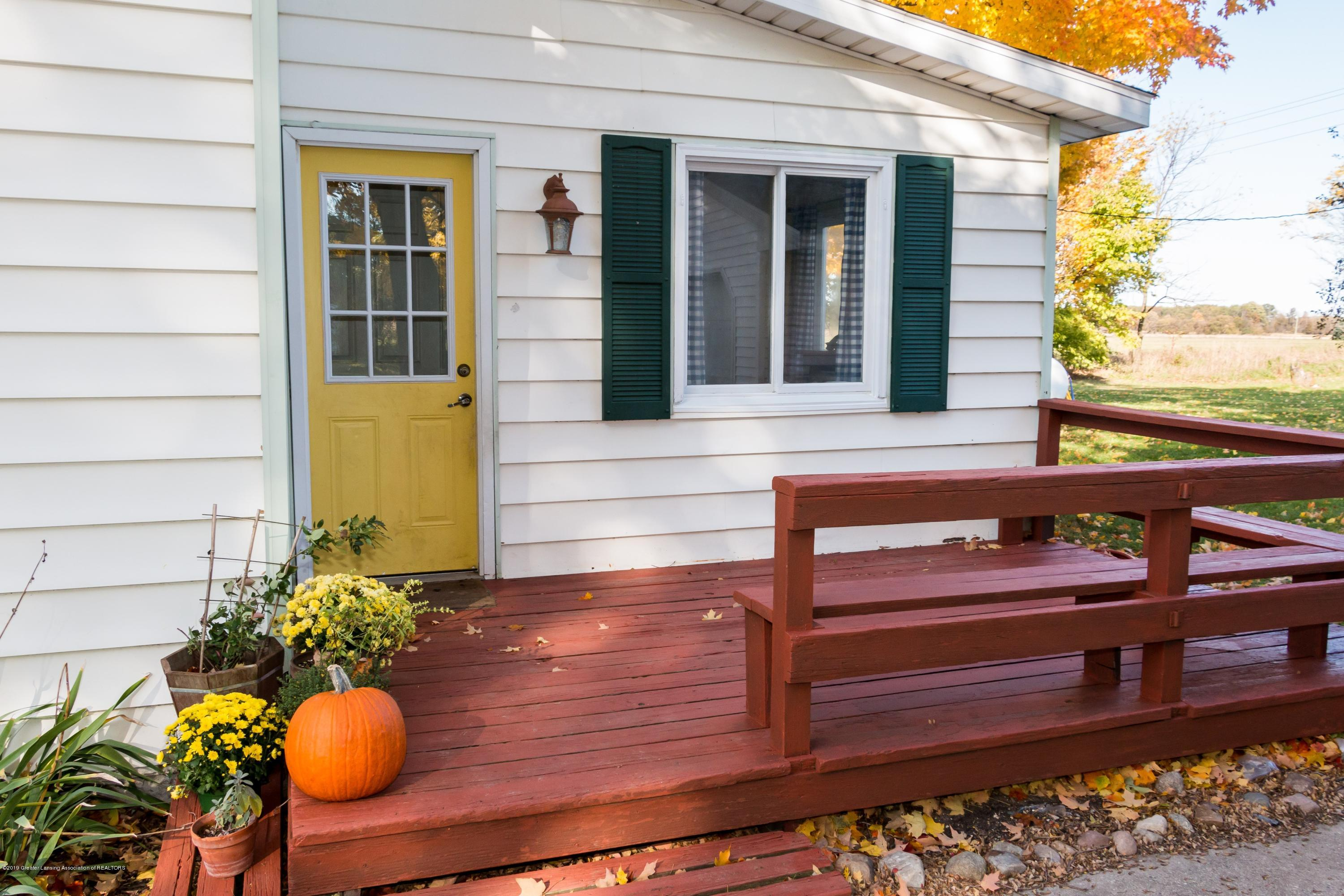 5350 N Welling Rd - Porch - 3
