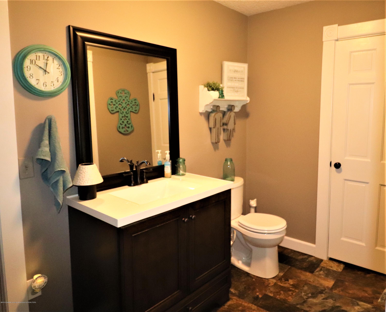11452 W Vermontville Hwy - 17 Half Bath - 17