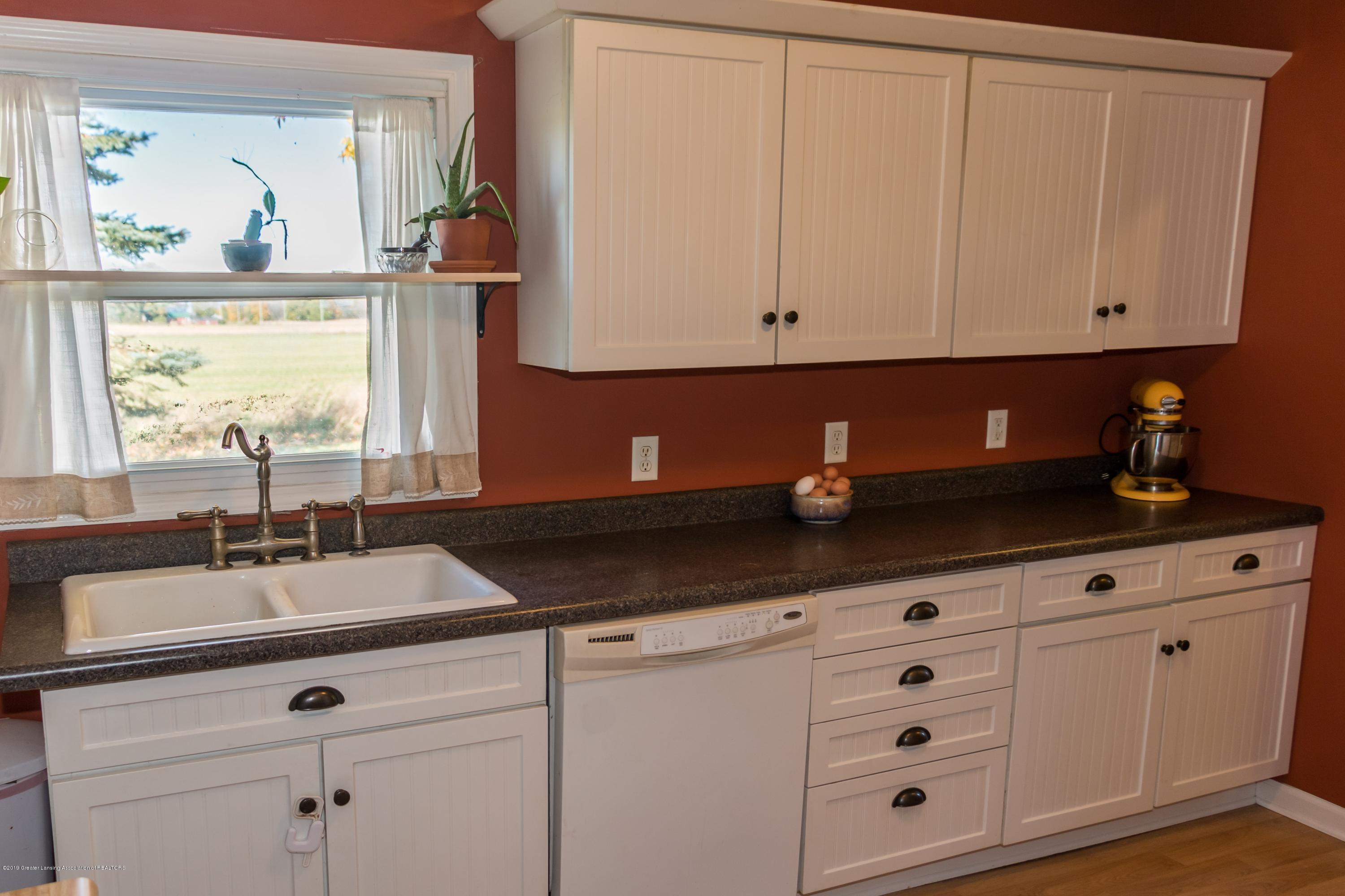 5350 N Welling Rd - Kitchen - 6