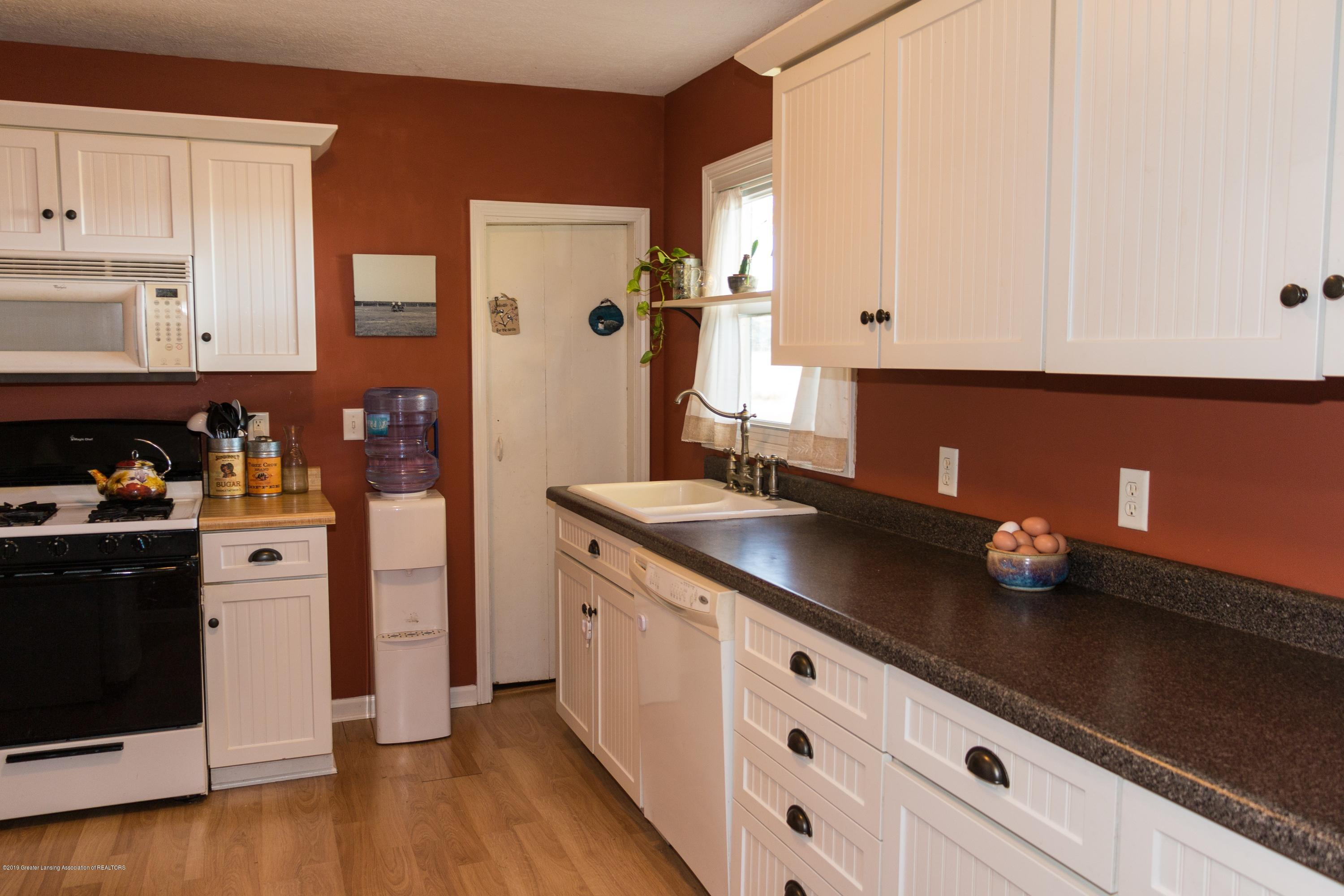 5350 N Welling Rd - kitchen - 7