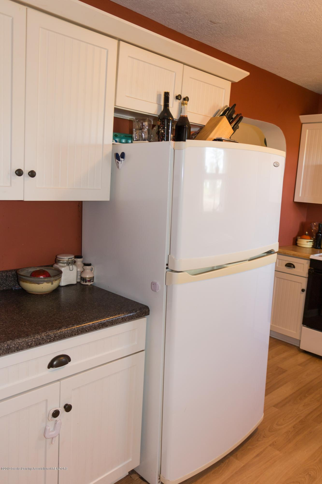 5350 N Welling Rd - kitchen - 8