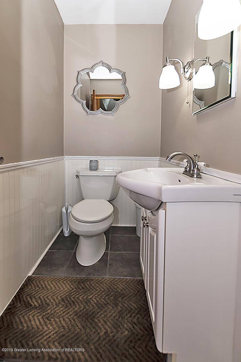 12925 E Melody Rd - 12925 Melody Powder Room - 23