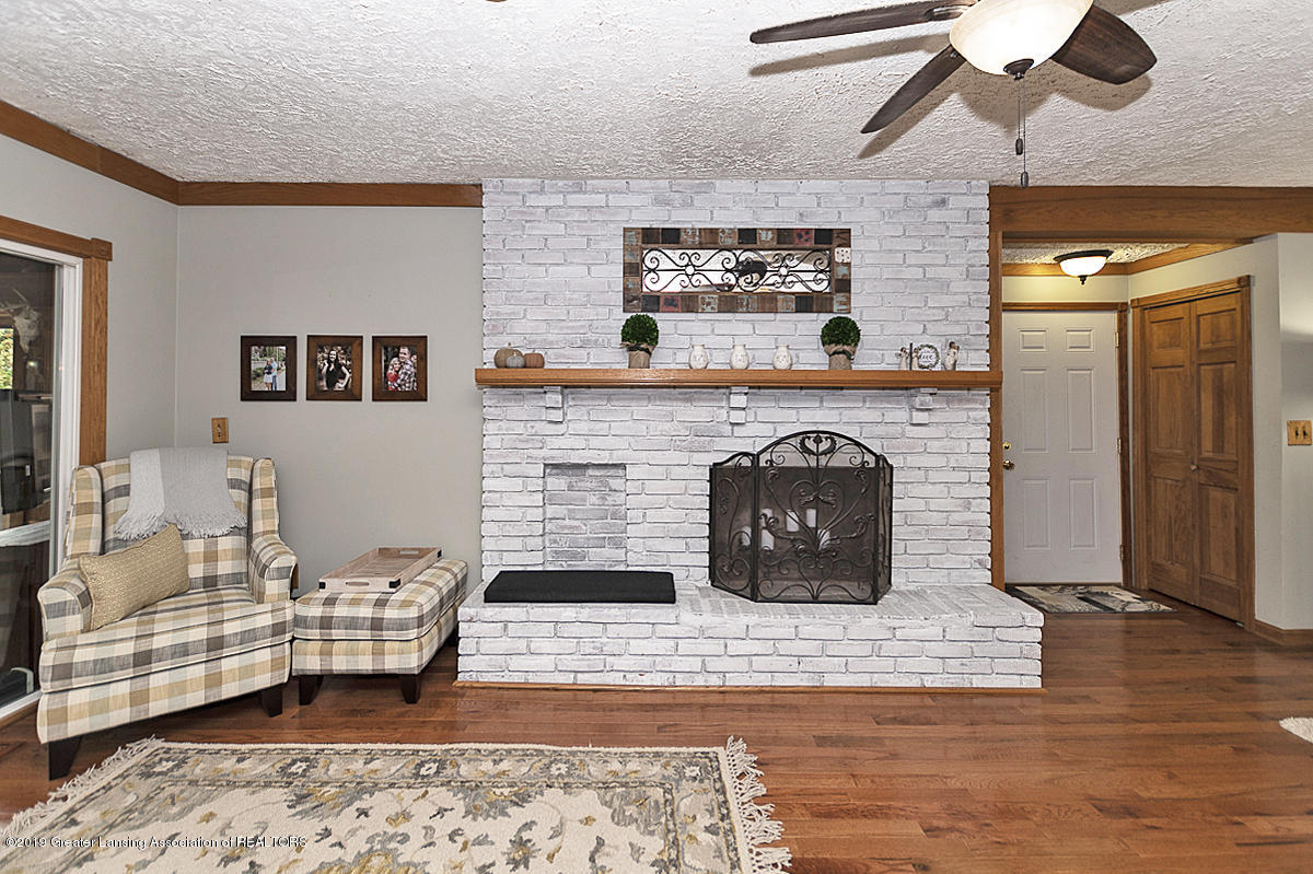 12925 E Melody Rd - Living Room and Fireplace - 8