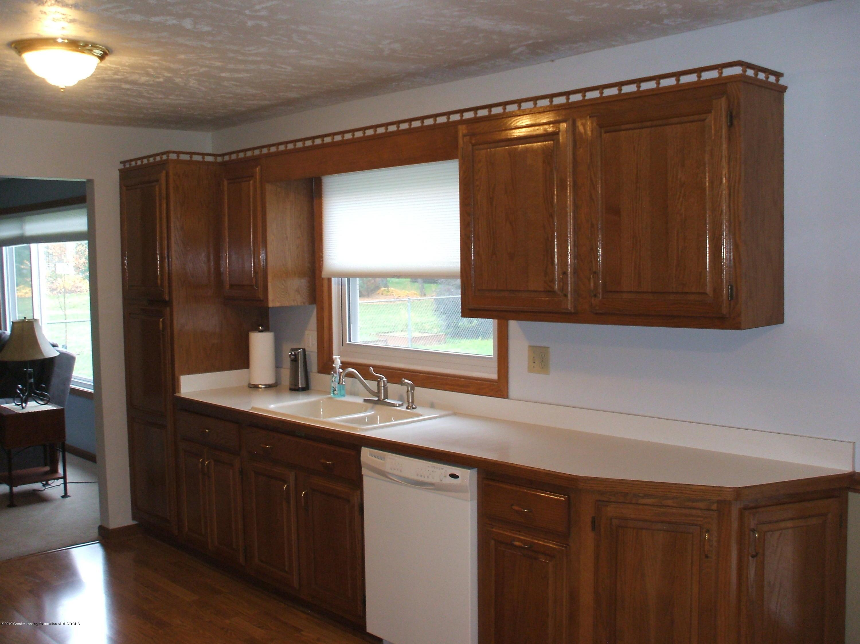 803 W McConnell St - Kitchen - 10