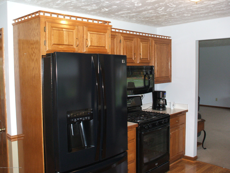 803 W McConnell St - Kitchen - 11