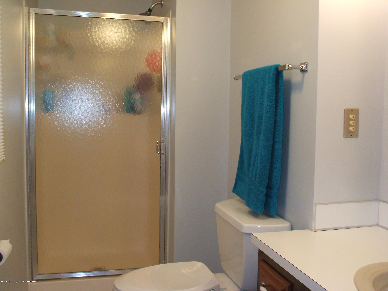 803 W McConnell St - Bathroom - 16