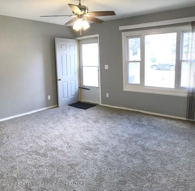 3003 Hillcrest St - front room - 2