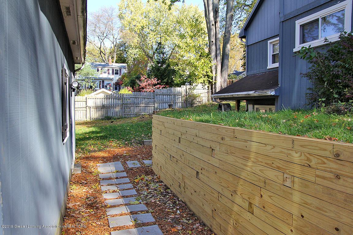 1240 Lilac Ave - New retaining wall - 14