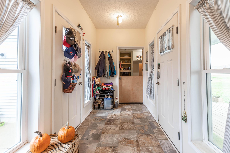 8740 N Scott Rd - Foyer - 4