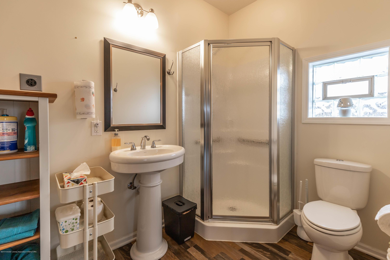 8740 N Scott Rd - Guest House - Bath - 52