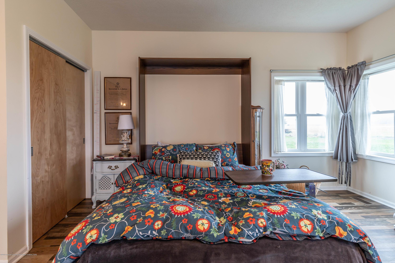 8740 N Scott Rd - Guest House - 49