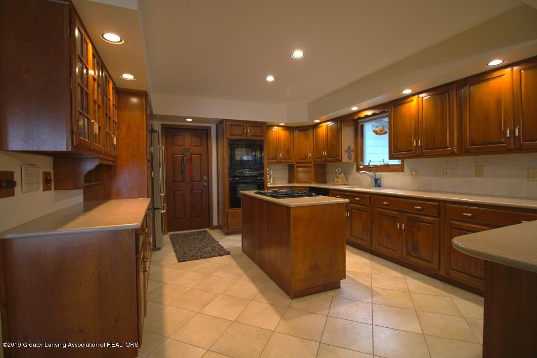 805 W Geneva Dr - Kitchen - 9