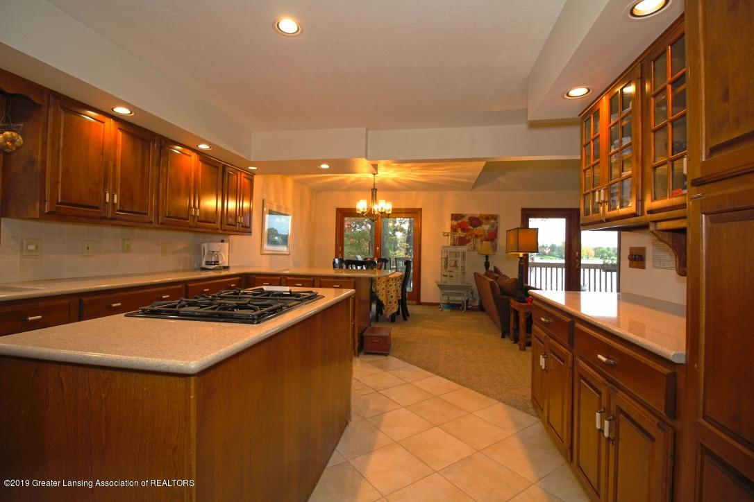 805 W Geneva Dr - Kitchen - 10