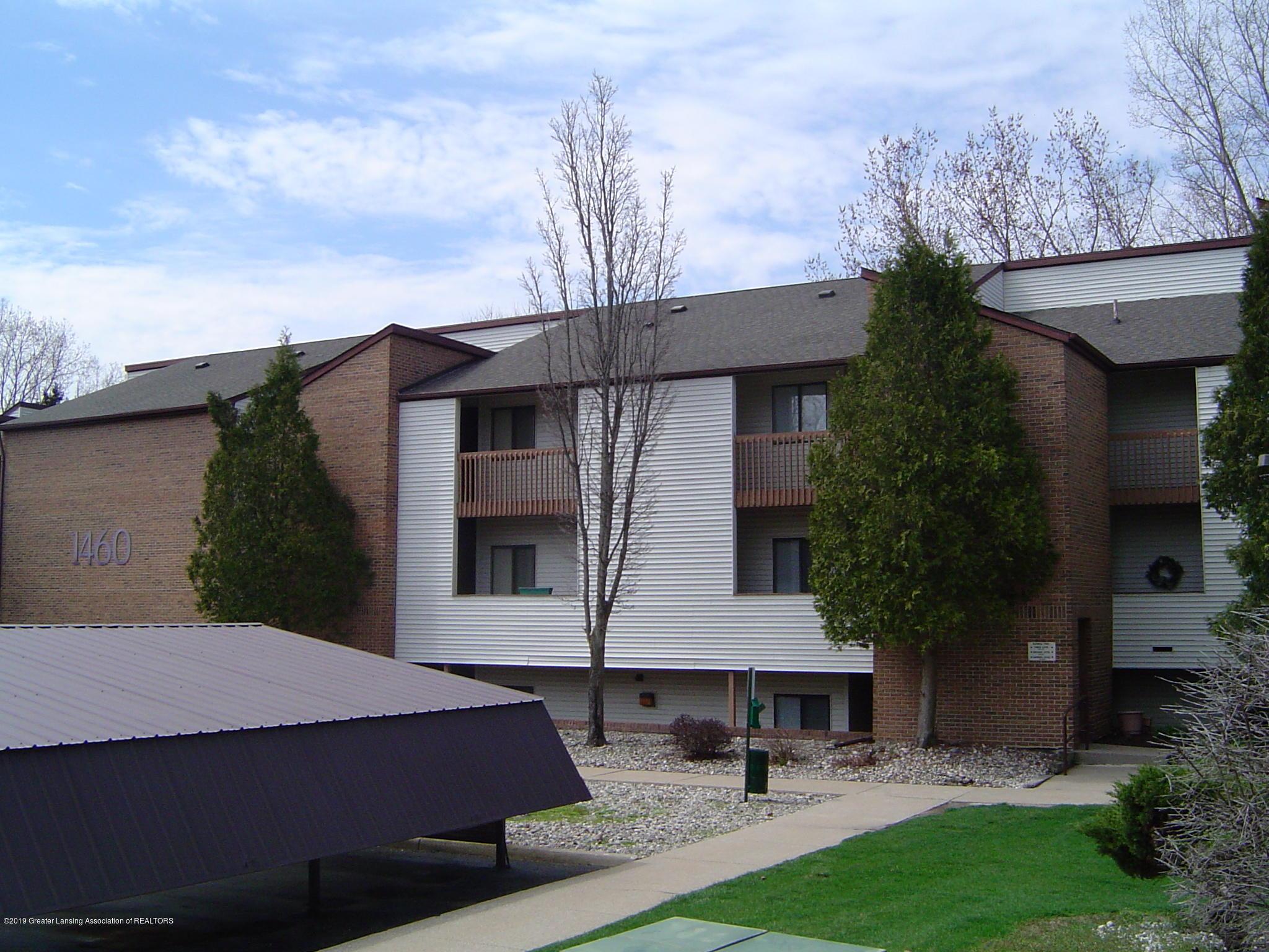 1450 E Pond Dr 10 - Building - 16