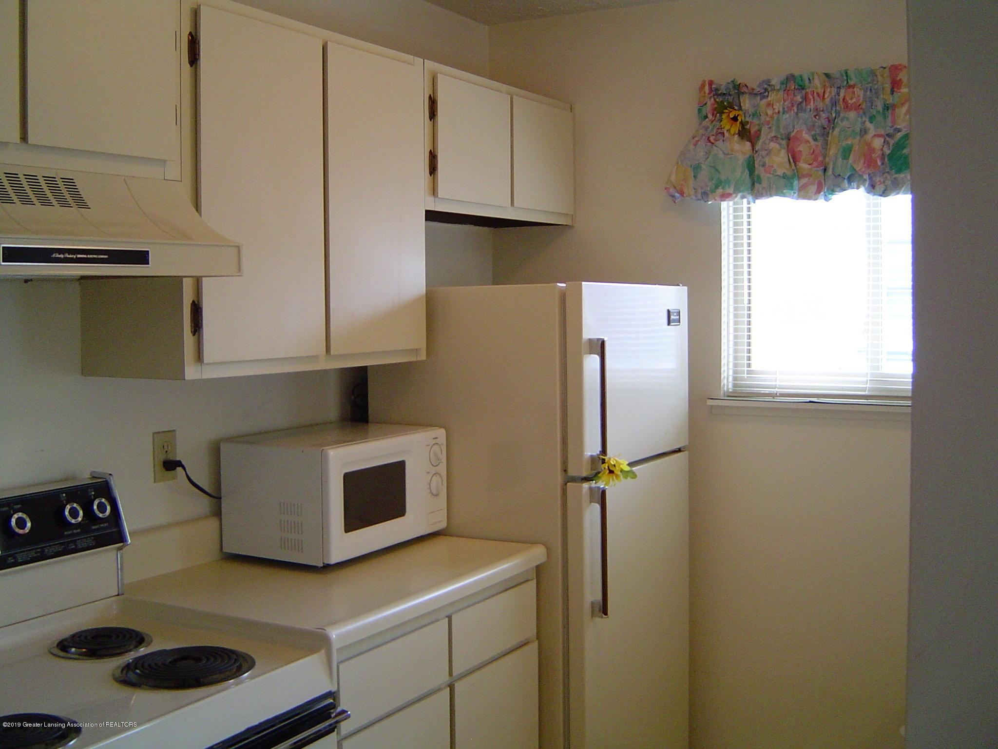 1450 E Pond Dr 10 - Kitchen - 2
