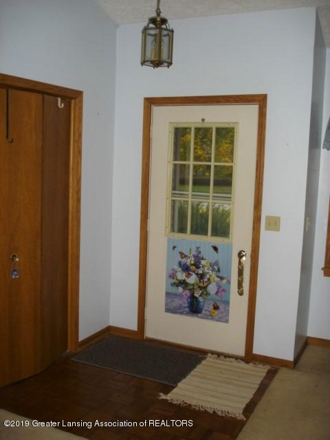 206 W Sickles St - Foyer - 2