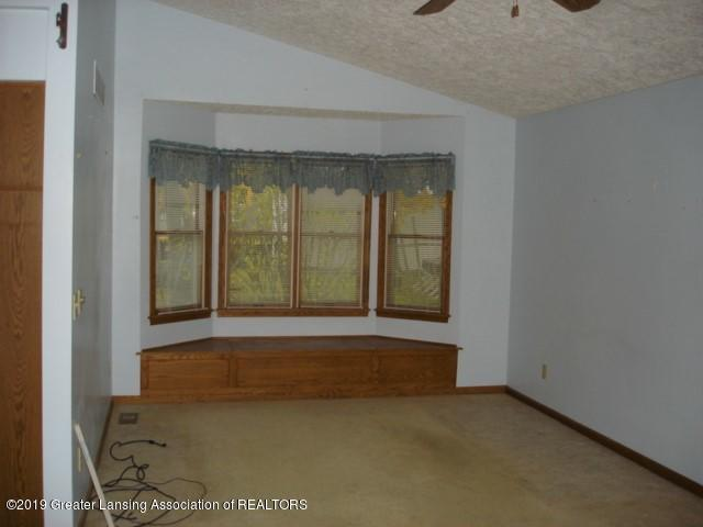 206 W Sickles St - Living Room - 4