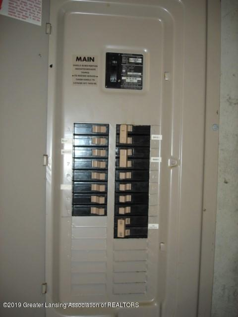 206 W Sickles St - electrical panel - 18