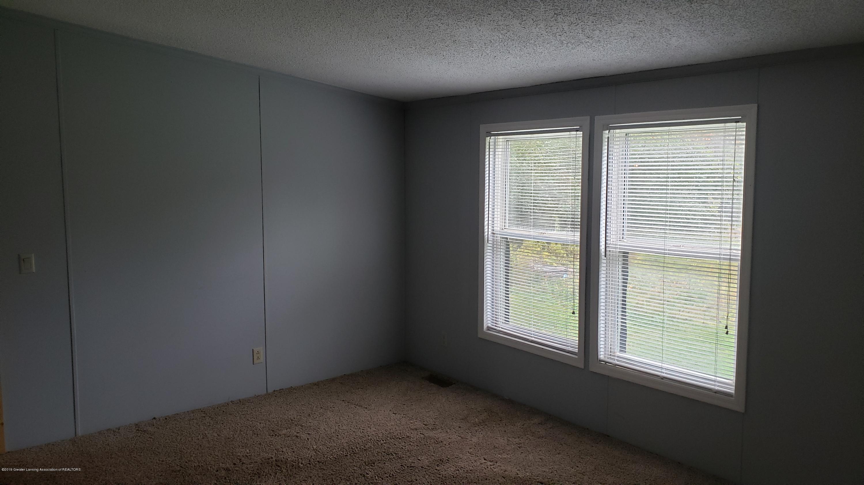 16990 Towar Ave - Living Room - 28