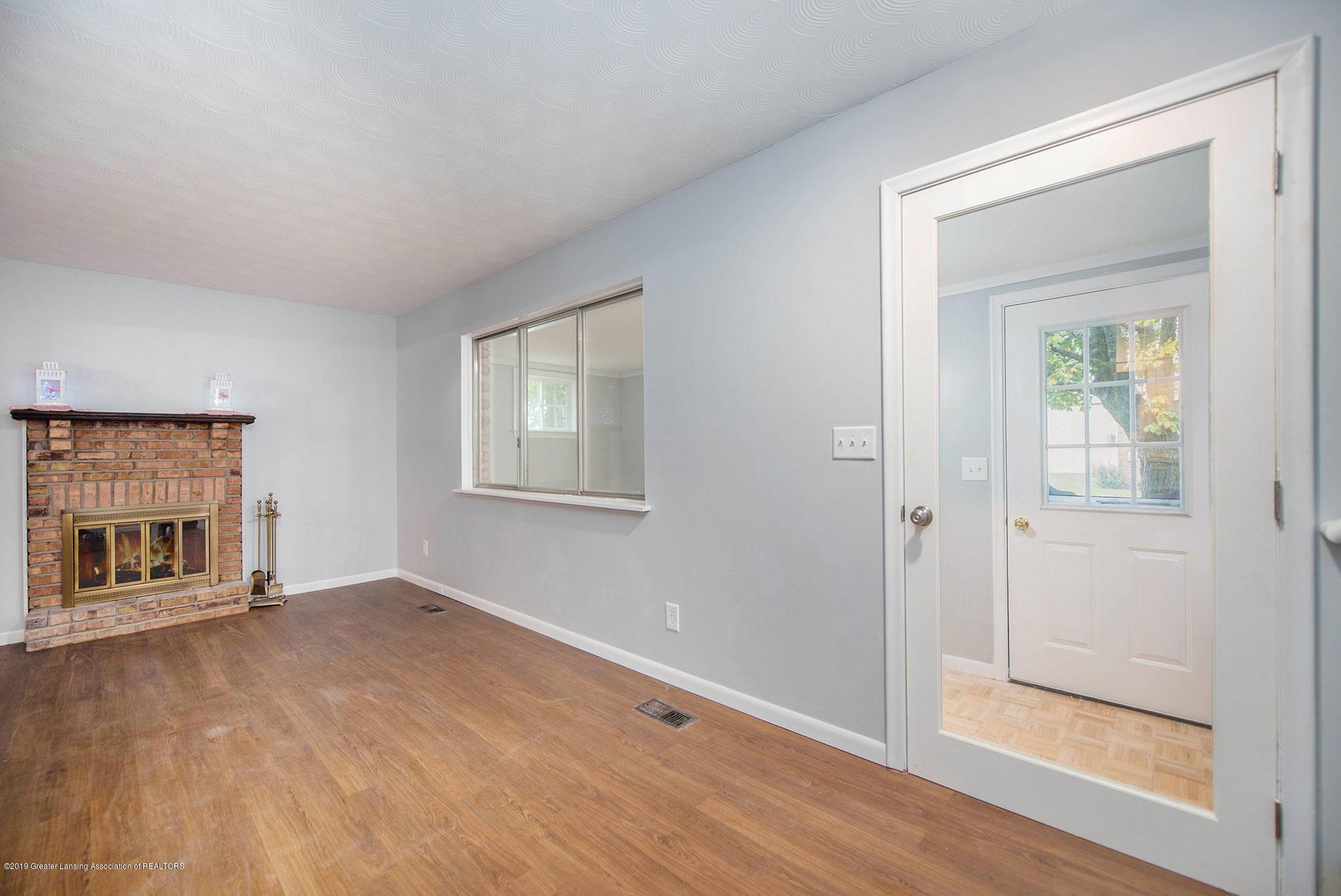 801 Merrill Ave - Living Room - 3