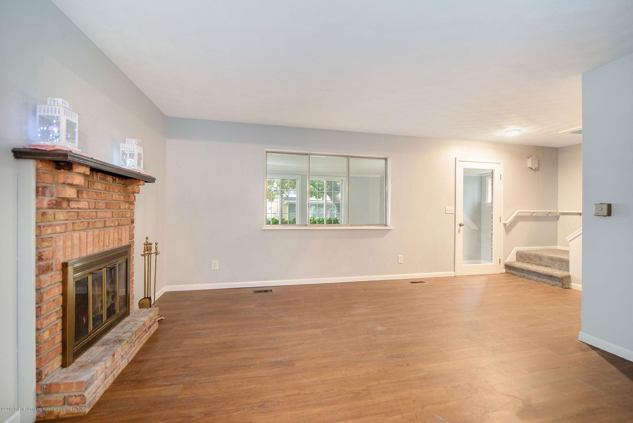 801 Merrill Ave - Living Room - 4