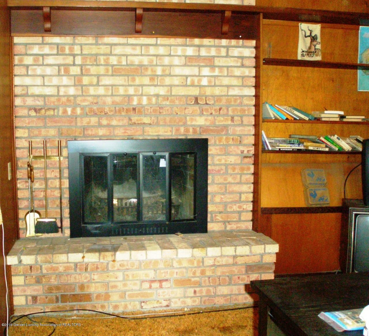 1019 Abbot Rd - thumbnail_abbot  Fireplace 001 - 2
