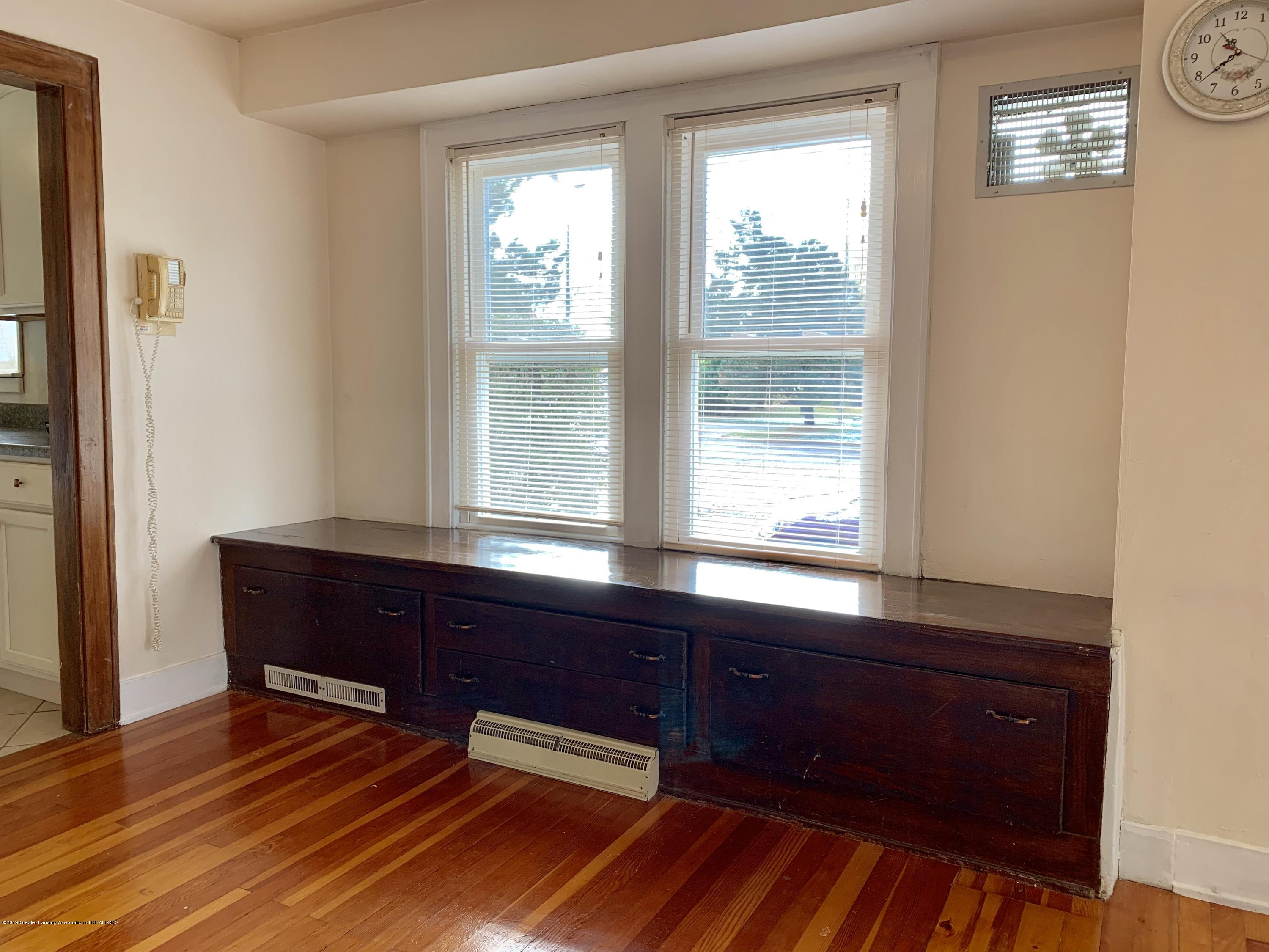 419 Hume Blvd - Living Room - 9