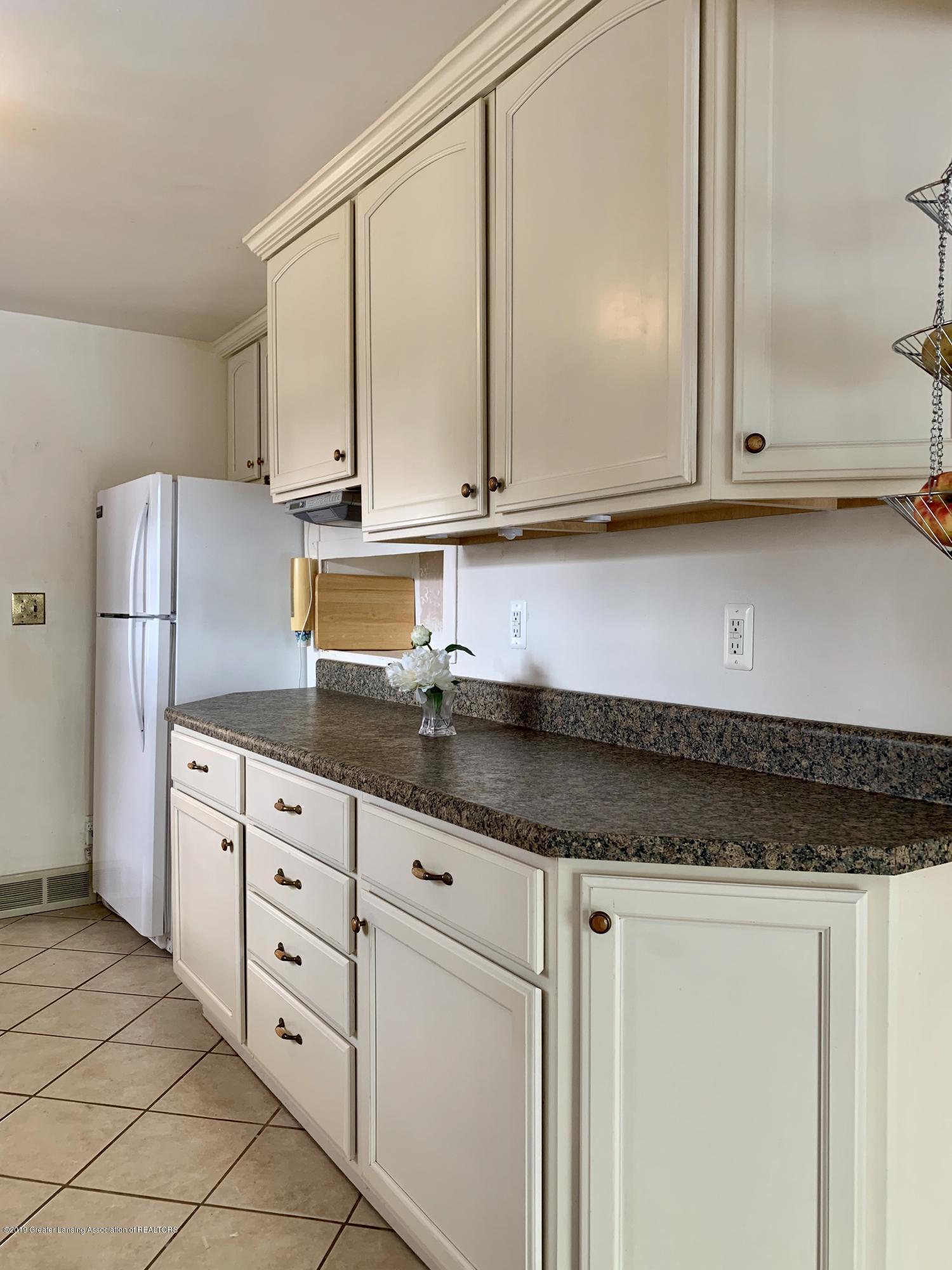 419 Hume Blvd - Kitchen - 6