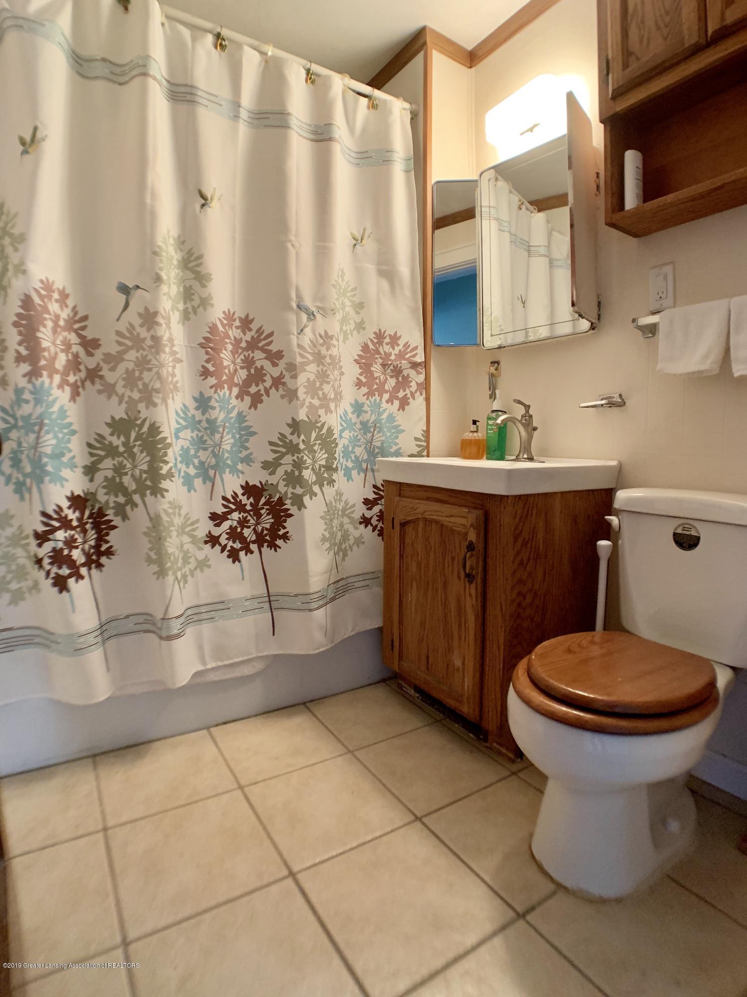 419 Hume Blvd - Full Bath - 18