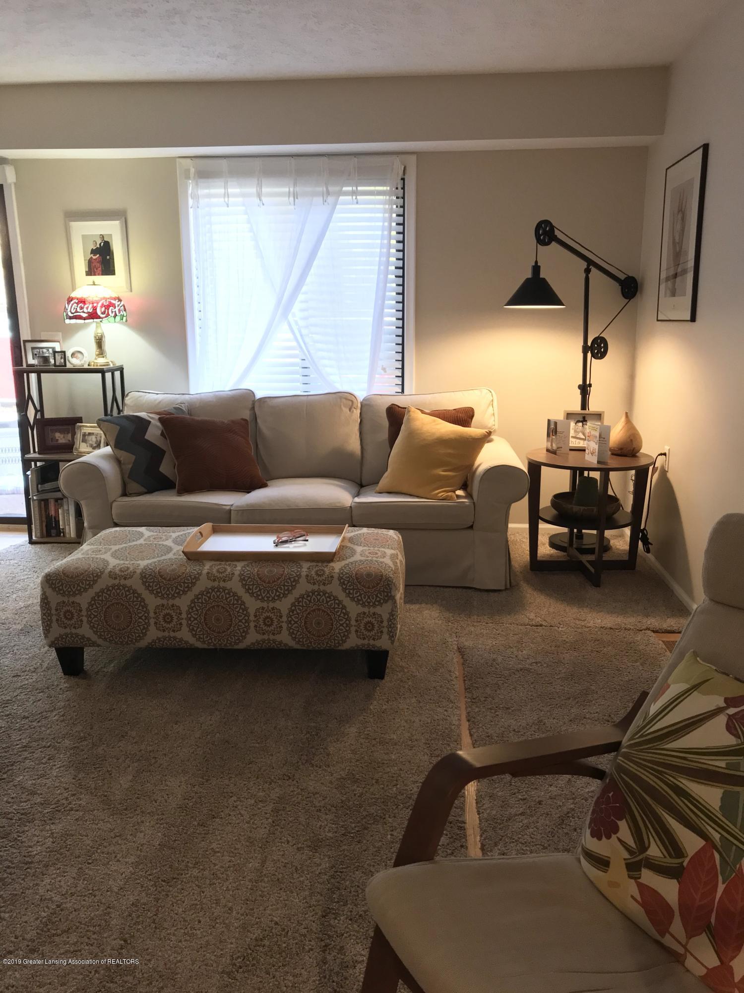 215 E Jolly Rd Apt G3 - Living Room - 6