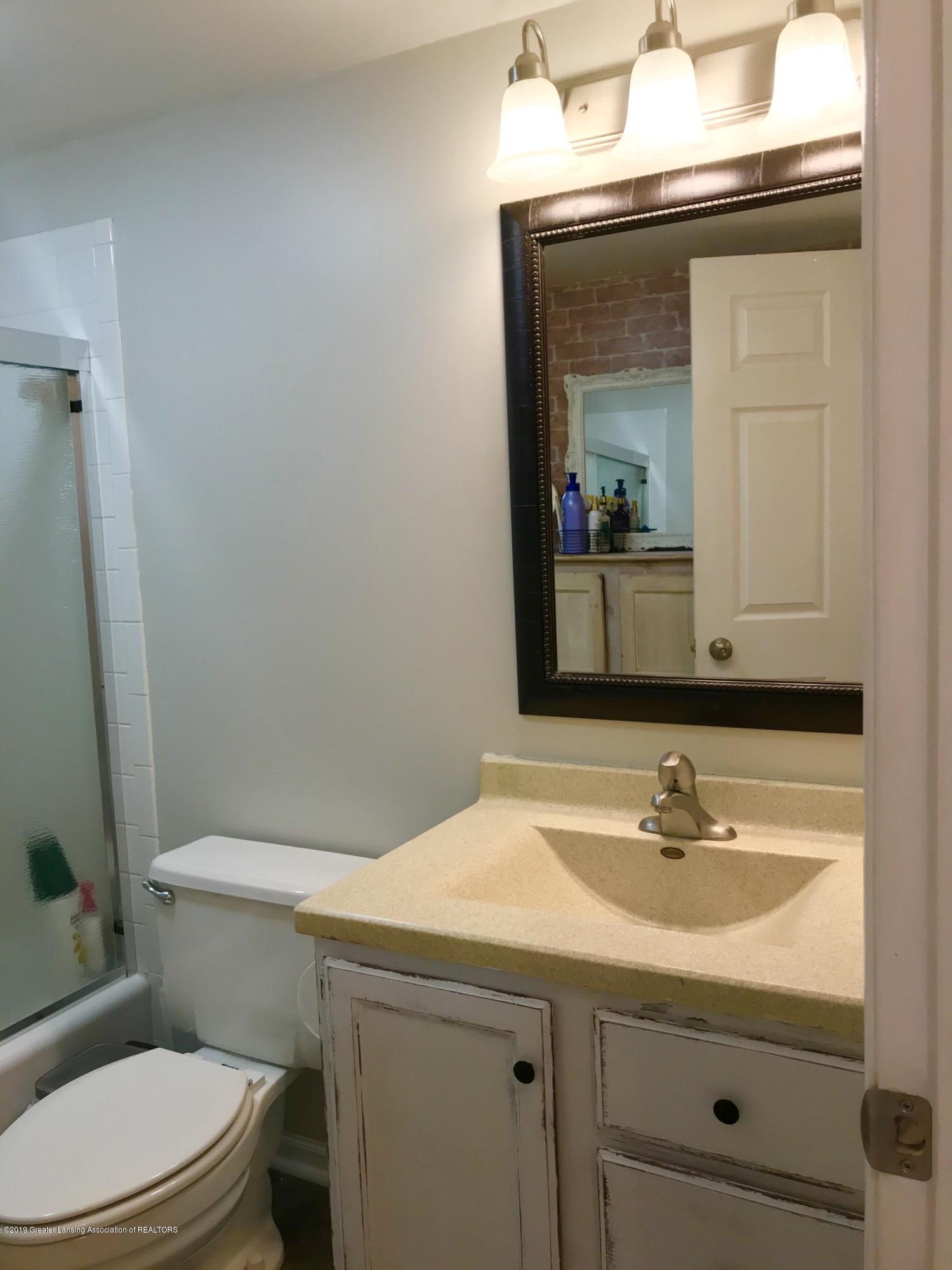 215 E Jolly Rd Apt G3 - Bathroom - 14