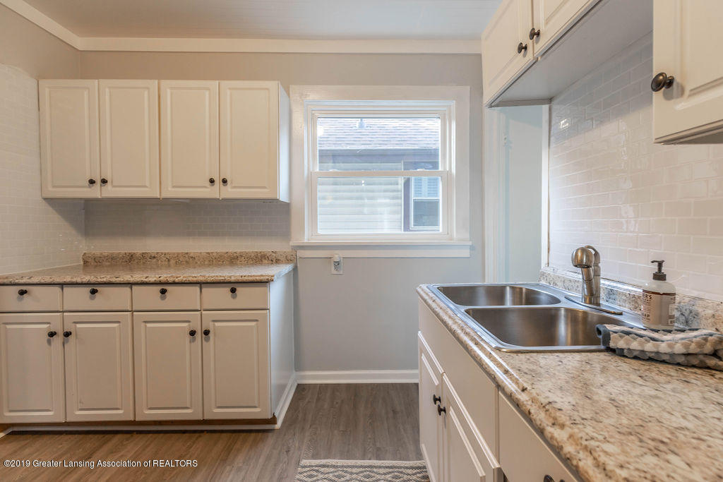 1332 Eureka St - Kitchen - 11