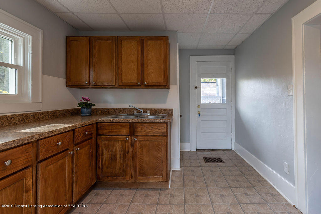 1332 Eureka St - Upstairs/2nd Kitchen - 23