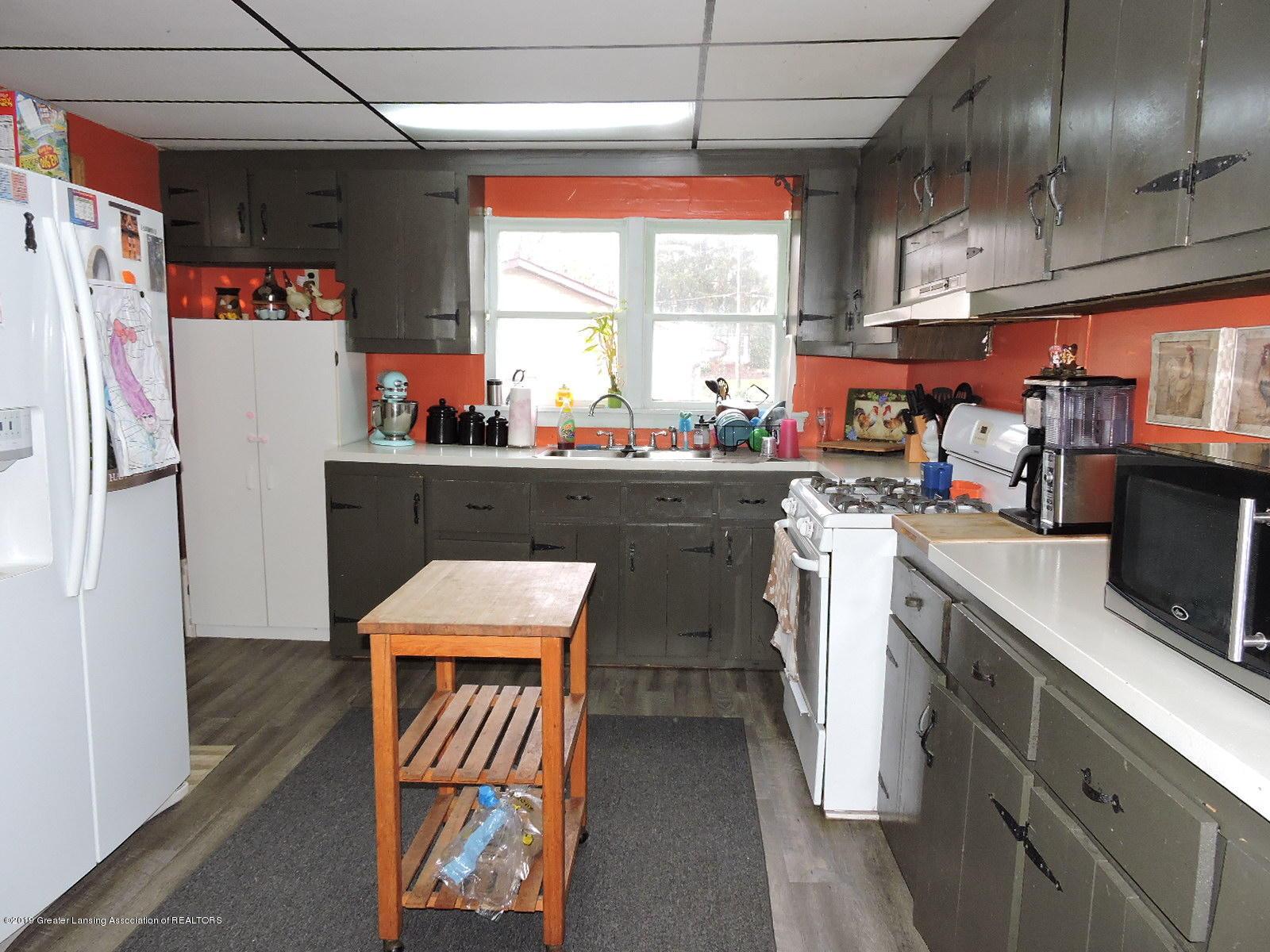 632 Hyatt St - Kitchen - 6