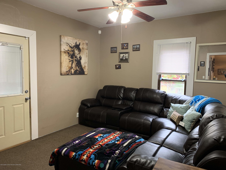 632 Hyatt St - Living Room - 13