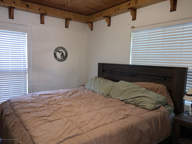 632 Hyatt St - Master Bedroom - 16