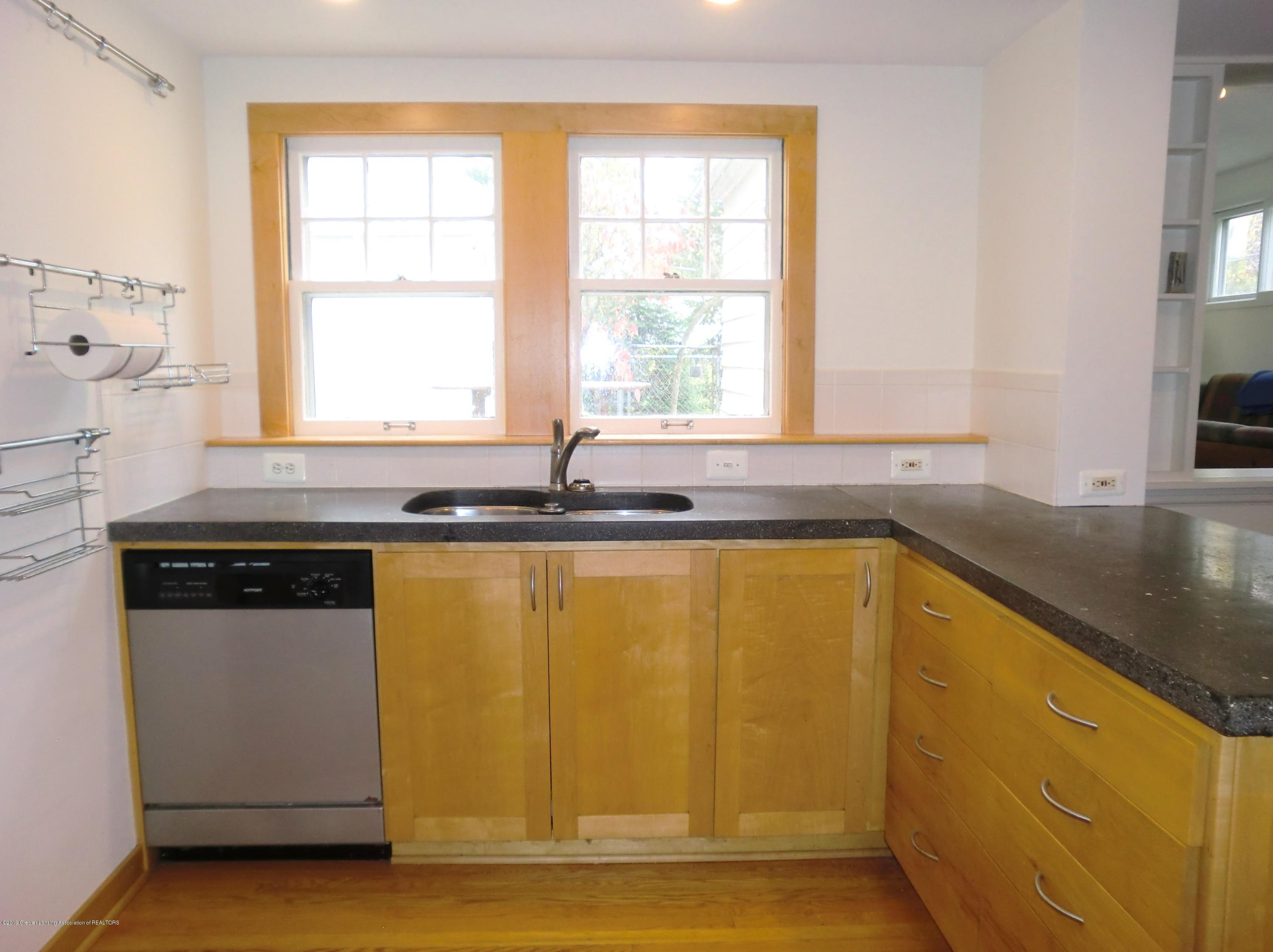 704 Beech St - Kitchen - 3