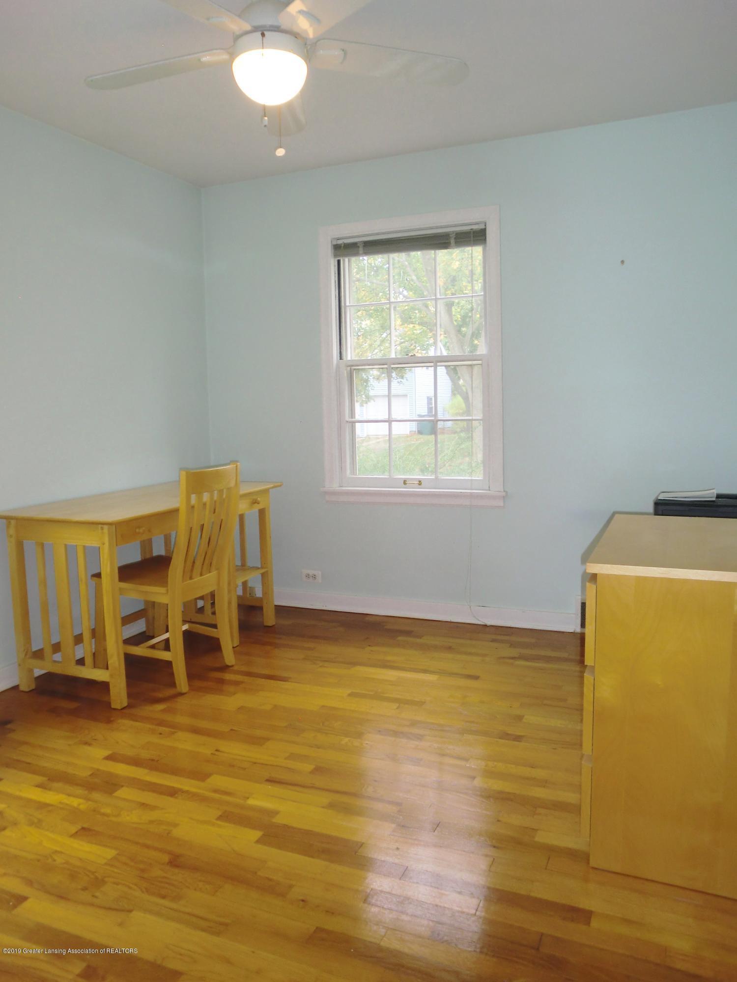 704 Beech St - Main Floor Bedroom - 15
