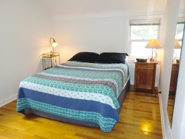 704 Beech St - Master Bedroom - 17