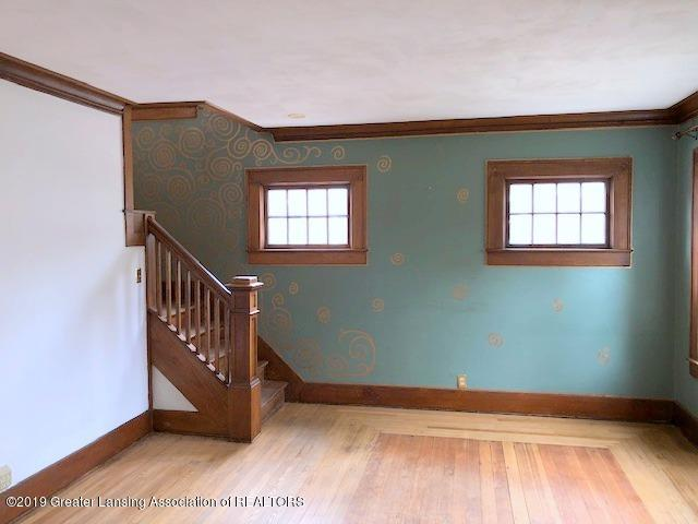 2209 S Washington Ave - Living Room - 5