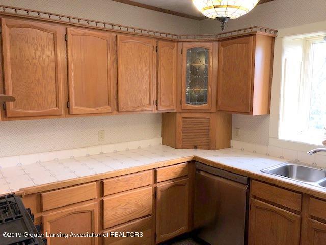 2209 S Washington Ave - Kitchen - 10
