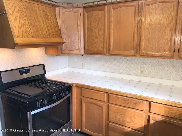 2209 S Washington Ave - Kitchen - 11